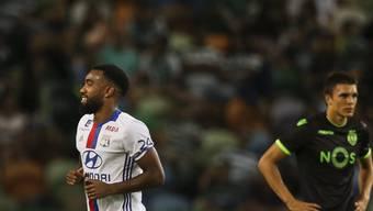 Erst traf er, dann schied er gegen Dijon verletzt aus: Lyons Goalgetter Alexandre Lacazette (Archivbild)