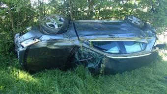 Die Polizei nahm dem Unfallverursacher den Führerausweis ab.