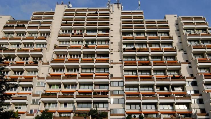 In dem riesigen Wohnkomplex im Stadtteil Dorstfeld wohnen viele sozial schwache Familien.