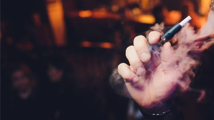 Dampf mit Risiko: Auch E-Zigaretten können süchtig machen. Shutterstock