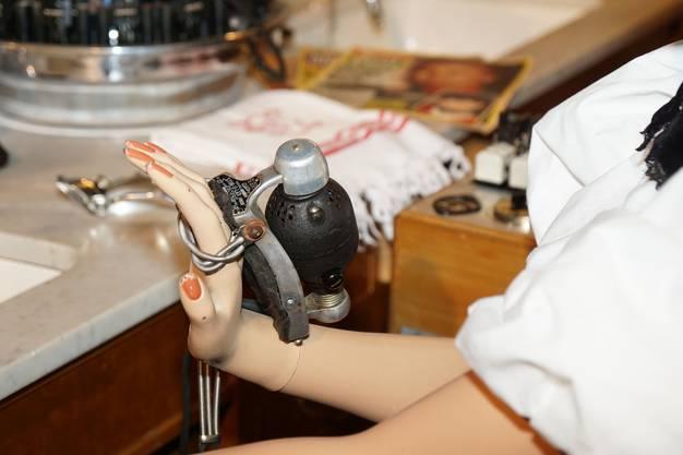 Das Handmassagegerät mutet heutzutage exotisch an