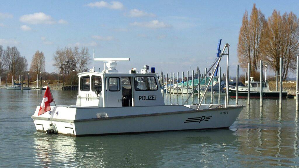 Zwei verschiedene Funkgeräte erleichtern die Kommunikation zwischen den Einsatzkräften verschiedener Länder auf dem Bodensee. (Archivbild)