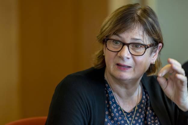 Die Genfer Spesenaffäre zog weite Kreise. Besonders unter Beschuss geriet auch die 60-jährige Politikerin der Grünen Esther Alder. Pikant: Ausgerechnet als Mitglied der Partei, bei der der Schutz der Umwelt zuoberst auf der Agenda steht, verursachte sie die höchsten Taxikosten. Zwischen 2007 und 2017 waren es durchschnittlich 5600 Franken pro Jahr. In der Spesenaffäre leitete die Genfer Staatsanwaltschaft ein Verfahren ein.
