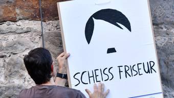 Dieses Plakat wurde diese Woche in der thüringischen Kleinstadt Themar an der Stadtmauer befestigt. Wegen des Neonazi-Konzerts.