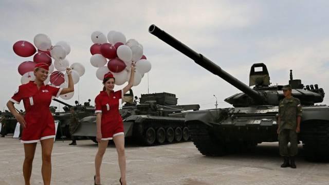 Militärausstellung in Moskau: Russlands Waffengeschäft floriert
