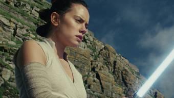 """Daisy Ridley wir auch im neunten Teil der """"Star Wars""""-Saga die Hauptrolle spielen. Doch mit """"The Rise of Skywalker"""" geht die Serie zu Ende. (Archivbild)"""