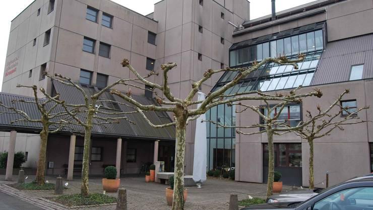 Die Betreuungspauschalen der Alterszentren Bärenmatt in Bremgarten (im Bild) und Burkertsmatt in Widen stossen sauer auf.