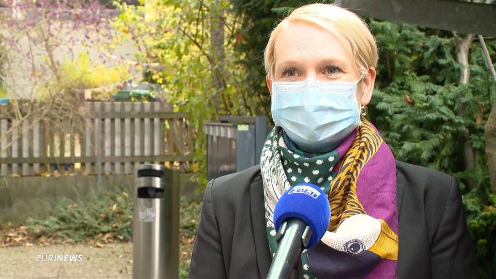 Masken-Kontroverse an Zürcher Schule: Jetzt spricht die Präsidentin