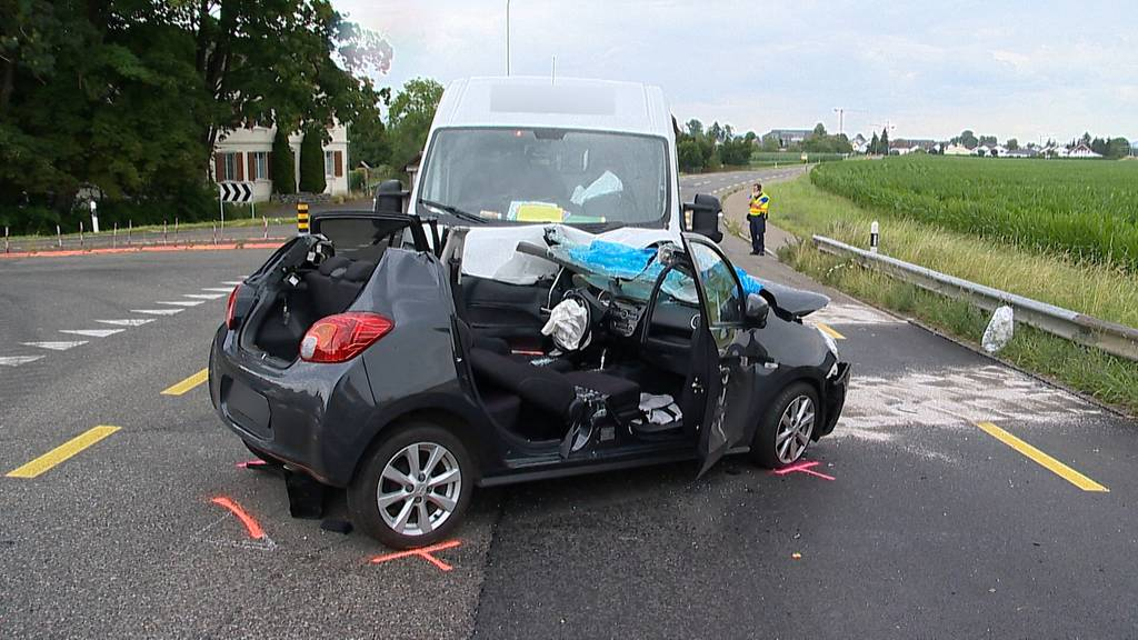 Felben-Wellhausen (TG): 82-Jährige bei Autounfall schwer verletzt