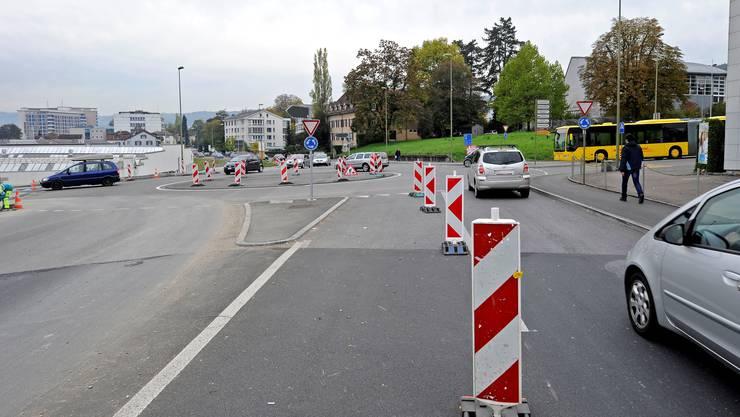 Der Kanton hat die linke Einspurstrecke beim Schauenburgkreisel aus Sicherheitsgründen gesperrt.