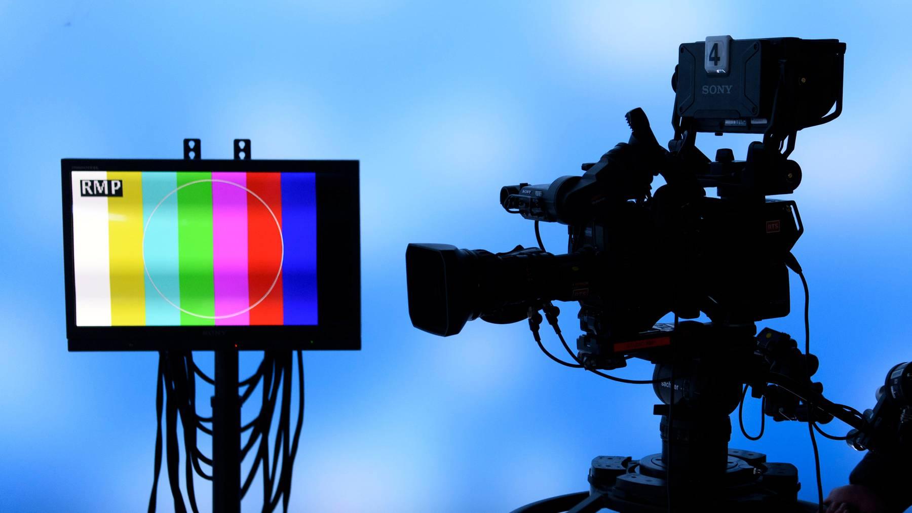 Ein Medienbericht erhebt schwere Vorwürfe gegen einen ehemaligen Moderator des Fernsehsenders RTS. (Symbolbild)