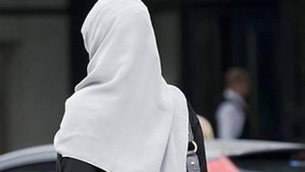Weisses Kopftuch ist Pflicht an Schulen