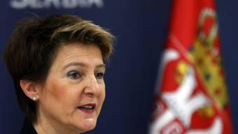 Bundesrätin Simonetta Sommaruga hat in Belgrad auch Gespräche mit dem serbischen Innenminister geführt.