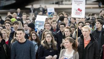 Studenten müssen weiter ums Erasmus-Programm bangen.