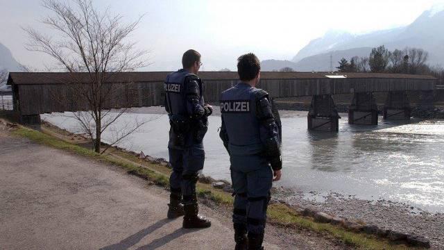 Auf der Höhe Vaduz wurde im Rhein eine Leiche entdeckt. (Symbolbild)