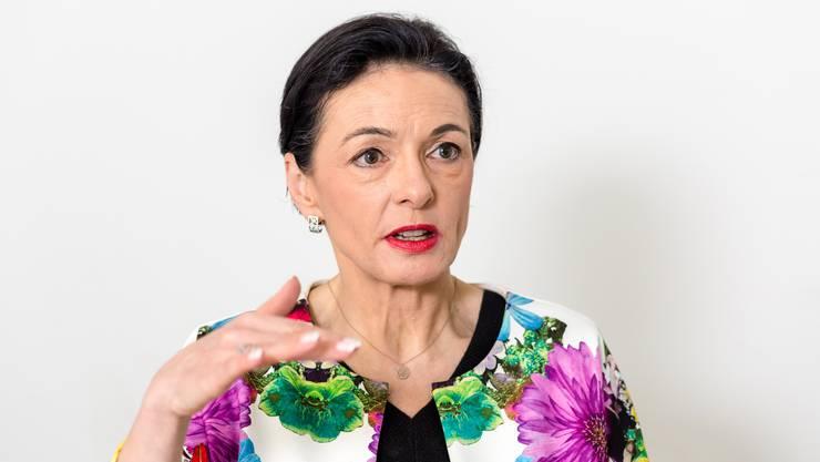 Marianne Binder-Keller wohnt in Baden und arbeitet neben ihrer politischen Tätigkeit als Kommunikationsberaterin und Publizistin.