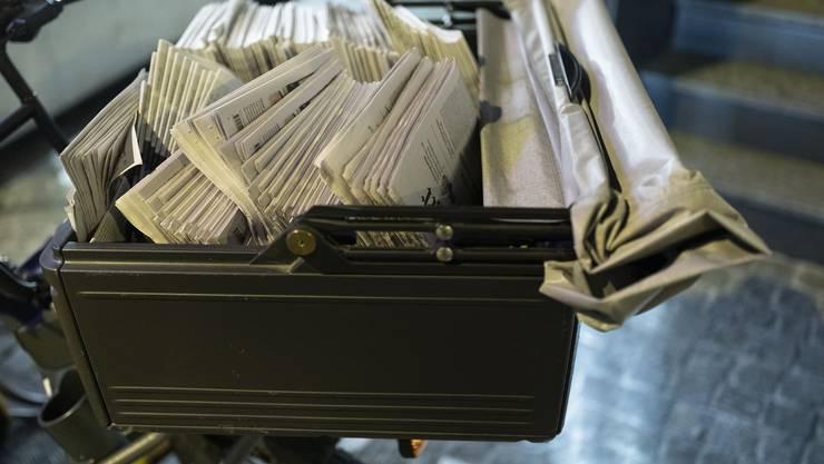 Zeitungen profitieren heute von der indirekten Presseförderung. Nun schlägt der Bundesrat vor, diese Unterstützungsmassnahme auszuweiten.