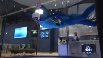 Ab in die Lüfte: die erste Schweizer Indoor-Skydiving-Anlage in Aktion.