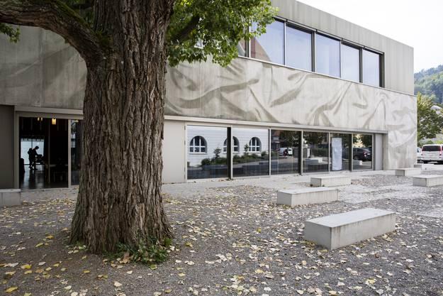 Allein an den Eingängen des Schulhauses Schibler werden fünf Videokameras installiert.