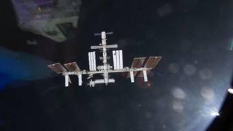 Aufnahme der ISS Raumstation von einem Space Shuttle aus (Archiv)
