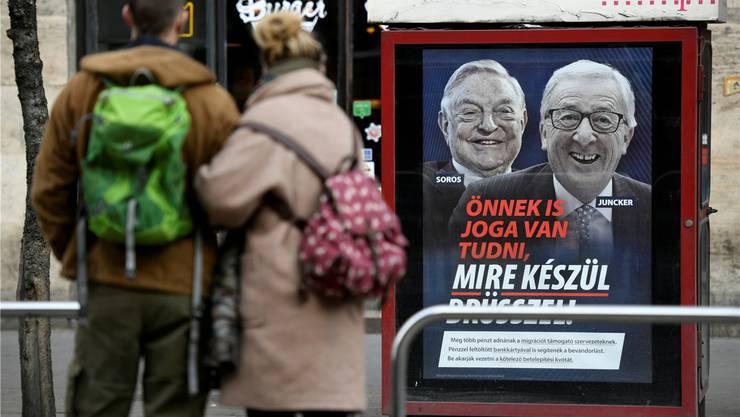 «Auch Sie haben ein Recht zu wissen, was Brüssel vorhat!» – führt diese Kampagne zum Rauswurf Viktor Orbáns aus der EVP? Reuters