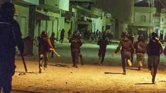 Bereits am Mittwoch war es im tunesischen Teboura, südlich der Hauptstadt Tunis, zu Protesten gegen die Regierung gekommen.