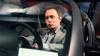 Konzernchef Elon Musk hatte unlängst in Aussicht gestellt, dass Tesla in der zweiten Jahreshälfte erstmals Gewinne schreiben könnte. (Archivbild)