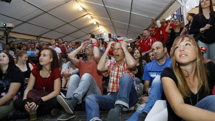 Impressionen vom WM-Spiel Schweiz-Frankreich auf dem Märetplatz Solothurn