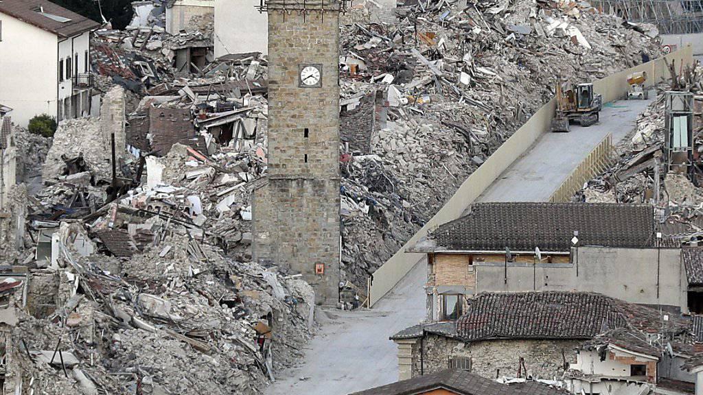 Die im August 2016 bei einem Erdbeben zerstörte italienische Kleinstadt Amatrice ist erneut von einem nächtlichen Beben erschüttert worden. (Archivbild)
