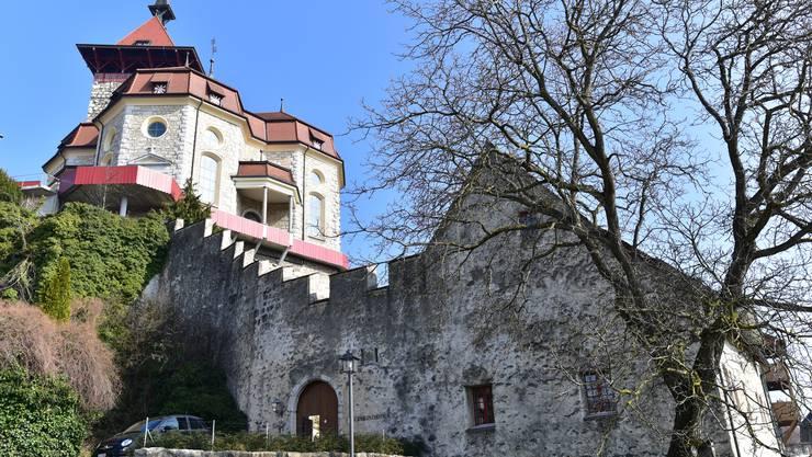 An der vergangenen Sitzung des Niedergösger Gemeinderats wurden die Abklärungen zur umfangreichen Sanierung der Aula im Schulhaus der Gemeinde vorgestellt.