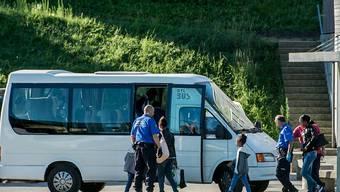 750 Rückführungen wie diese führten die Schweizer Grenzwächter in der ersten September-Woche im Tessin durch. (Archiv)
