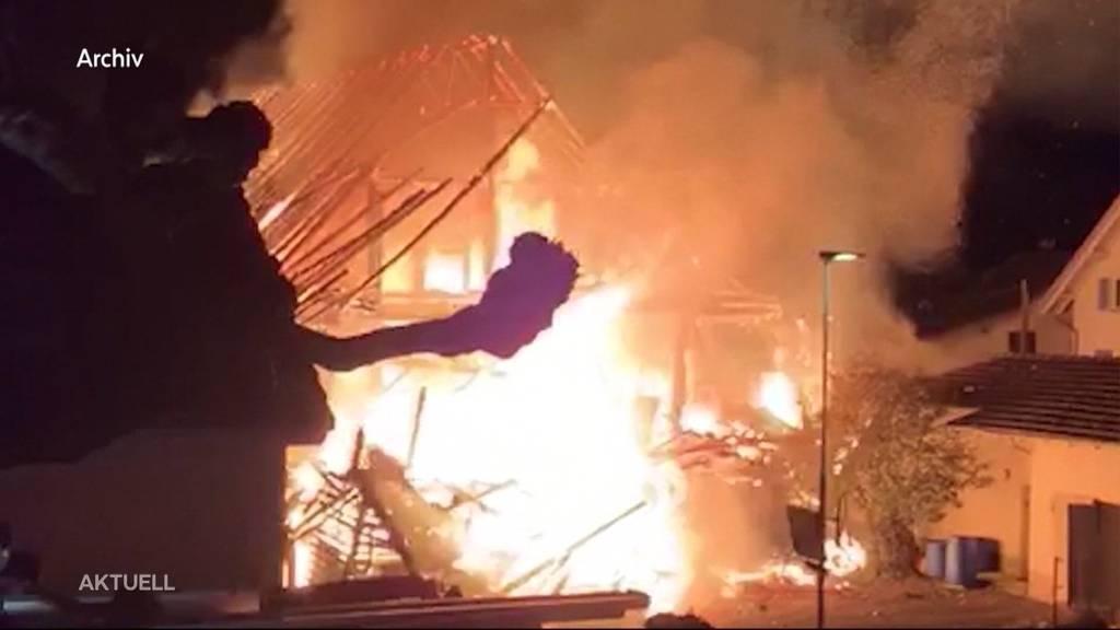 Brandserie Merenschwand: Polizei verhaftet zehn Personen