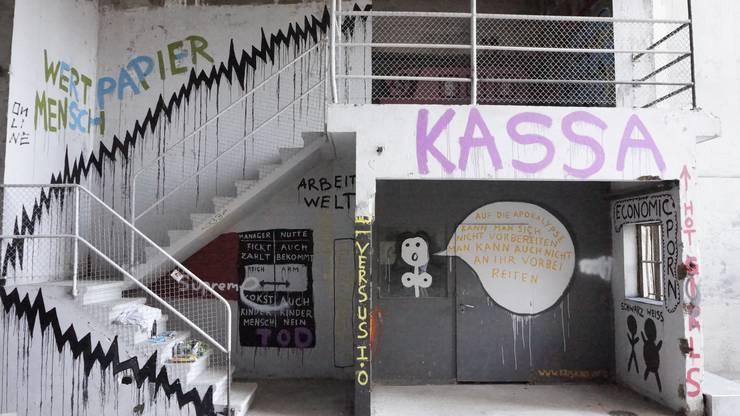 Provokatives Werk «Wertpapier Mensch» von Kris Kind aus Wien.