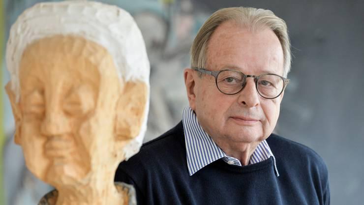 Alex Bänninger ist Publizist und Autor von Büchern über Kultur, Architektur und Medien. Er war Kulturchef des Schweizer Fernsehens.