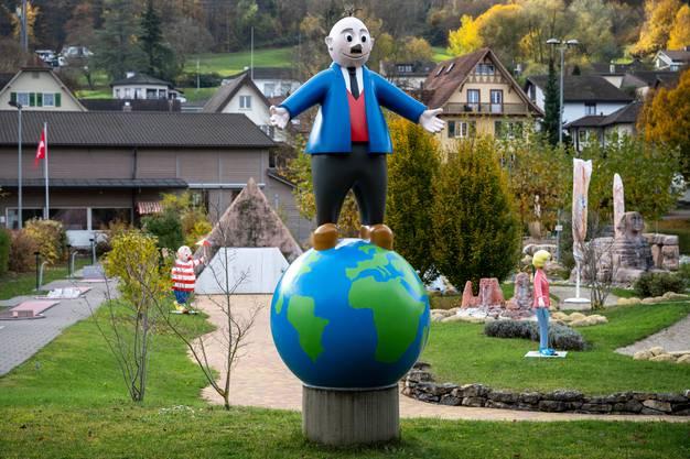 Papa Moll ist im Flecken Zurzach allgegenwärtig auch in der Minigolfanlage Papa Moll Land.