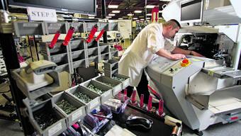 Weniger Aufträge, weniger Arbeit, weniger Einnahmen: Um Entlassungen zu verhindern, müssen Firmen Kurzarbeit anmelden.