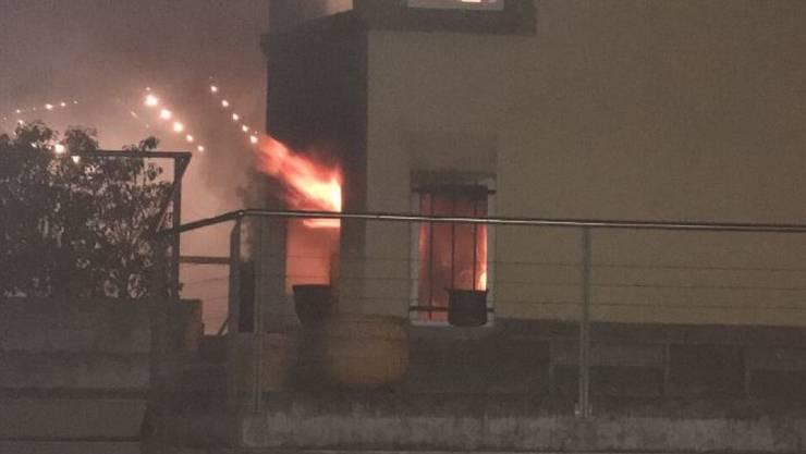 In Thalwil ist ein Feuer in einem Arbeitszimmer ausgebrochen. Die Familie musste in ein Hotel umziehen.