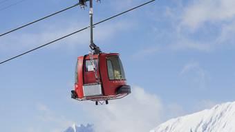Wintersport in der Schweiz ist gemäss einem internationalen Preisvergleich ein teures Vergnügen. Allerdings bekommen Skifahrer auch etwas fürs Geld. (Symbolbild)