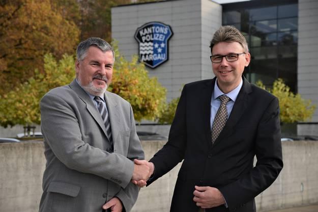 Der langjährige Vizepräsident Hansjörg Schenk (links, im Vorstand seit 18 Jahren) gratuliert dem neuen Verbandspräsidenten Dieter Egli zur Wahl.