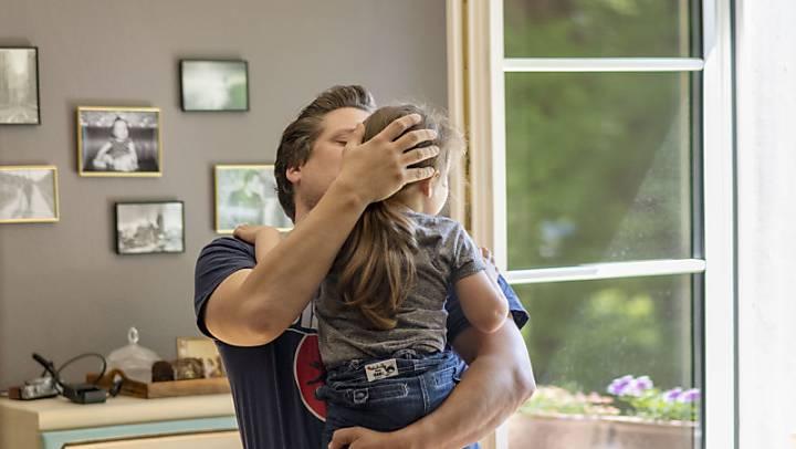 Der Zürcher Regierungsrat hält von 36 Wochen Elternzeit nichts. Das sei nicht vertretbar, vor allem aus wirtschaftlichen Gründen. (Symbolbild)