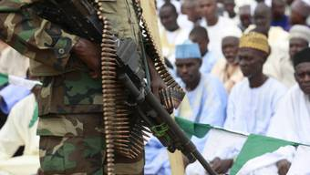 Ein Soldat der nigerianischen Armee