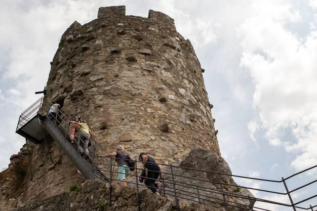 Die steile Treppe zum Turm war für manche eine Herausforderung.