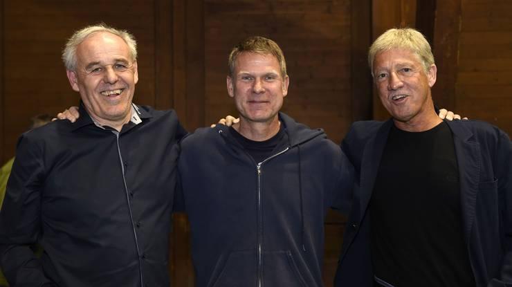 Die Köpfe des Erfolgs Der damaligen Präsident Christian Bärlocher (Mitte) und die Trainer Werner Locher (links) und Toni Hasler (rechts).