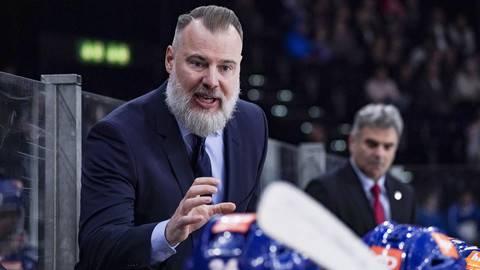 Der schwedische Coach weiss, wie er die jungen Spieler erreicht.