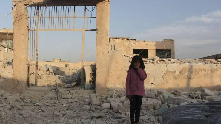 Luftangriff in der syrischen Provinz Idlib: Laut der oppositionsnahen Beobachtungsstelle sterben mehrere Menschen. (Archivbild)