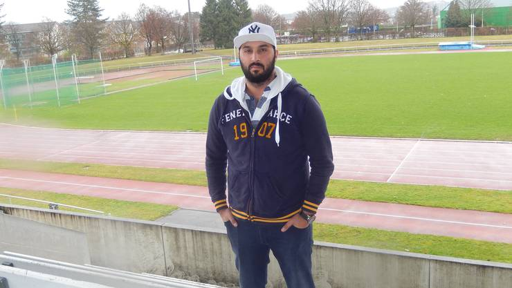 Die Sitten auf den Fussballplätzen verrohen zunehmend. Der Schiedsrichter Oguz Saral, hier im Stadion Kleinholz in Olten, bekam dies handfest zu spüren.