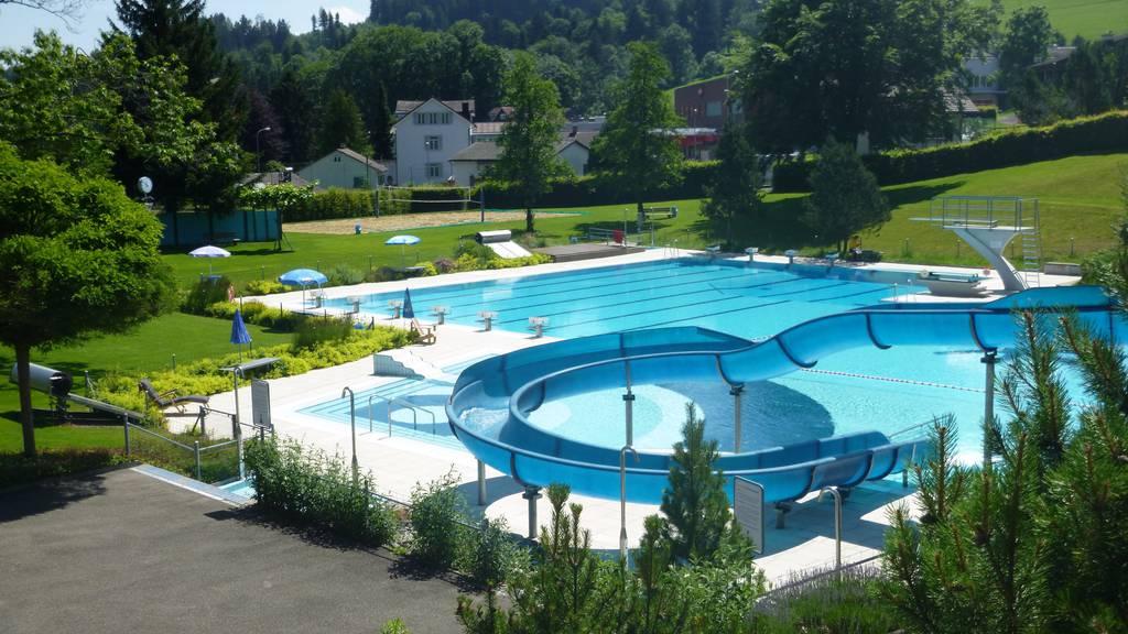 Die Badi Degersheim lädt zum Fondueplausch statt zur Saisoneröffnung ein.