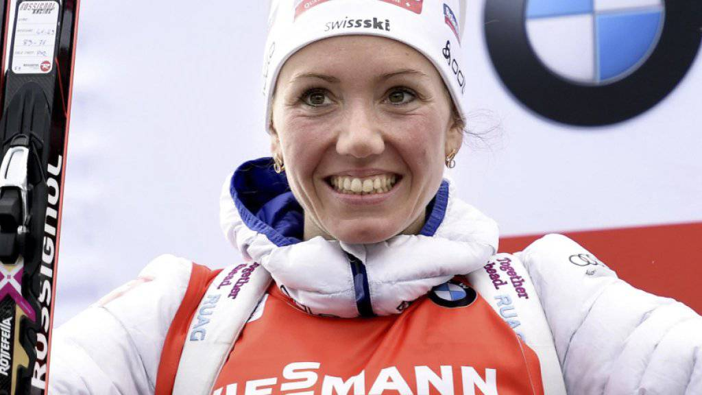 Selina Gasparin freut sich über ihren 2. Rang in Antholz