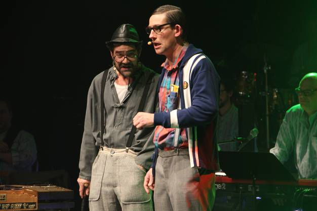 sowie die Theaterkabarettisten Rhaban Straumann und Matthias Kunz mit ihren Figuren Ruedi & Heinz treten am Solothurner Müsterli-Abend auf.