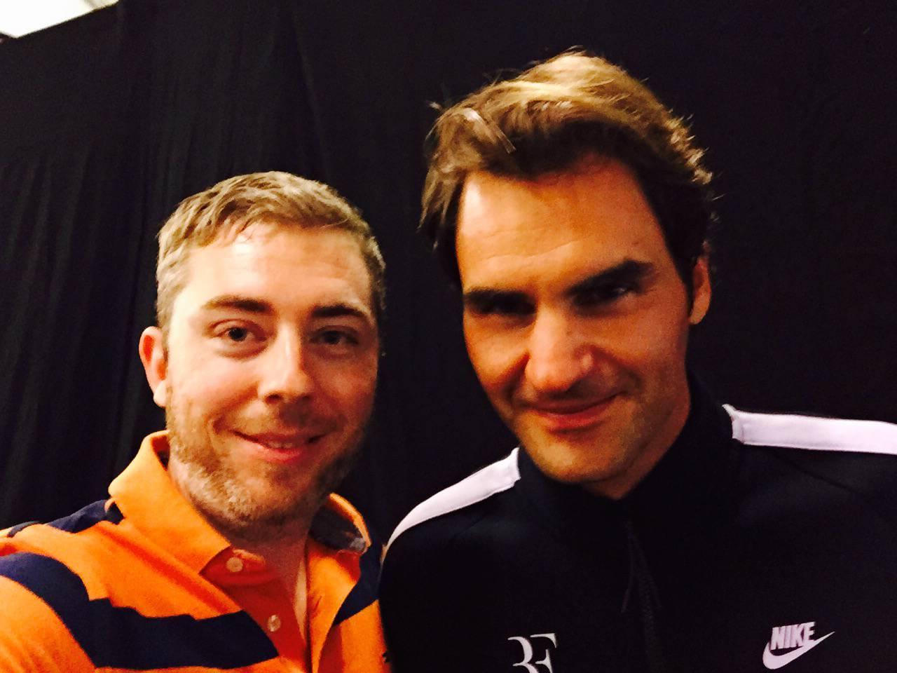 Roger Federer (rechts) mit Radio Pilatus-Sportchef Sämi Deubelbeiss.
